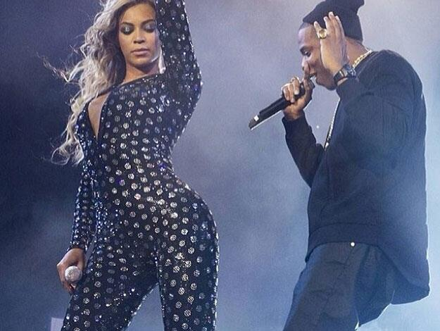 Killing it on stage with hubby Jay Z while wearing a form-fitting polka-dot catsuit.