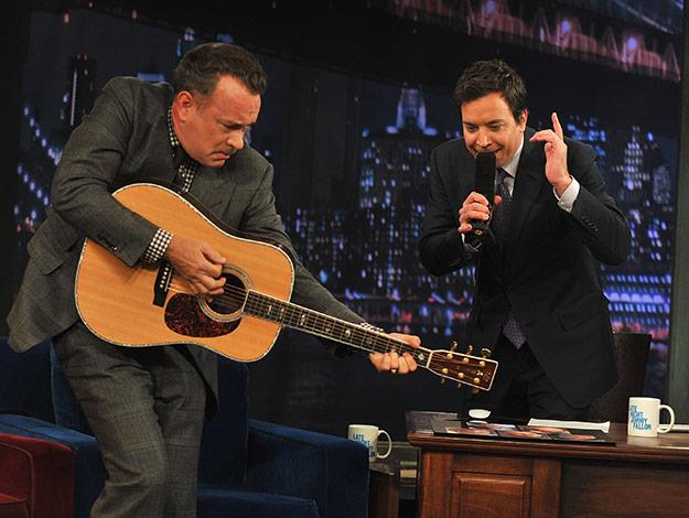 The actor shows off his musical talents on Jimmy Fallon.