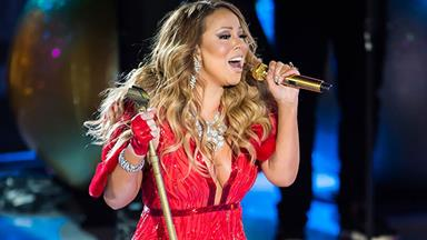 Mariah Carey struggles to hit the high notes