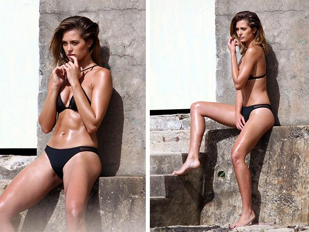Jesinta Campbell shows off her enviable figure as she poses on the beach.