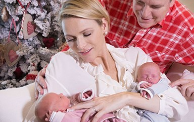 Gorgeous Christmas pics of Monaco's royal twins – just two weeks old!