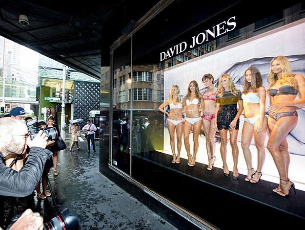 Then on a rainy day in Sydney, Heidi braved the wet weather to pose as a living mannequin in the Elizabeth Street store windows of David Jones, alongside the lingerie models.