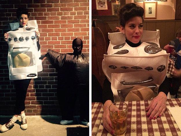 Liv Tyler also has a son too - nine-year-old Milo, with her ex-husband, British rocker Royston Langdon. Here he is playing dressups with her at Halloween when Liv officially outed her pregnancy by wearing a very tongue-in-cheek 'Bun in the oven' costume.