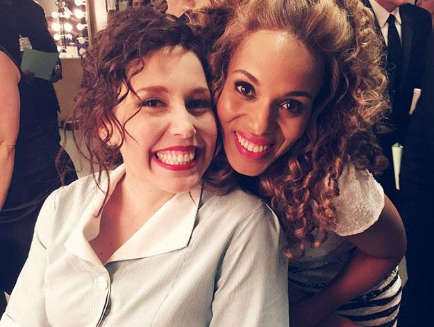 Kerry Washington even joined in on the fun, posing with cast member Vanessa Bayer.