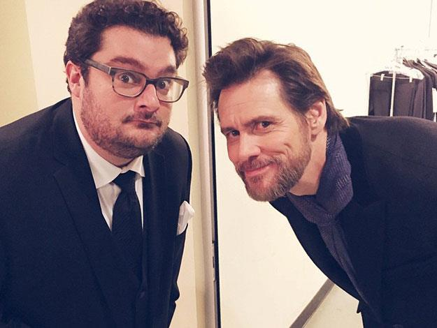 Former cast member Bobby Moynihan strikes a pose with Jim Carrey.