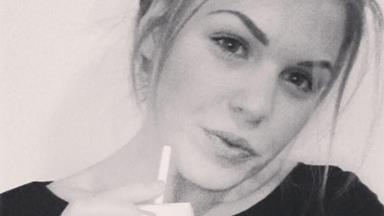 Friends raise doubts over Aussie entrepreneur Belle Gibson's cancer claims