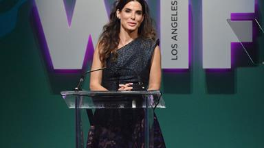 """My personal life was in the sh---er"" Sandra Bullock gives a hilariously honest speech and proves why she's the greatest"