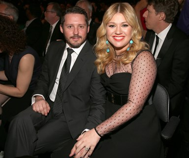 Kelly Clarkson announces her second pregnancy on stage!