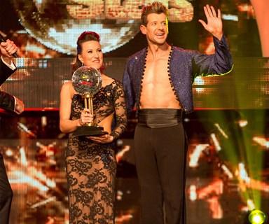 Simon Barnett wins Dancing with the Stars