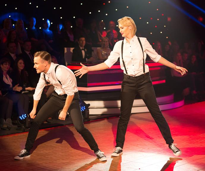 Siobhan's first dance at the semifinals saw the actress and her partner jiving around an oversized picture frame.