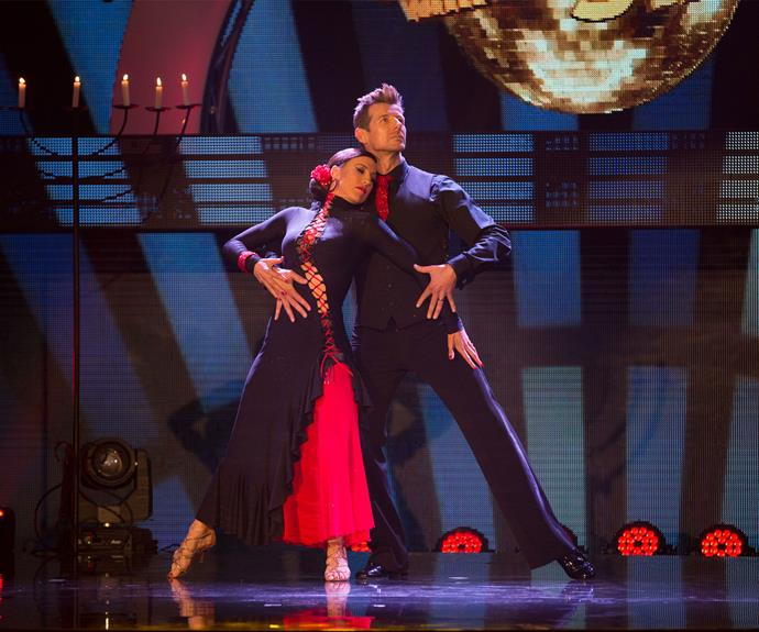 However, Simon stepped up his game in a major way for the next performance, battling through a dislocated knee to pull off an amazing tango.