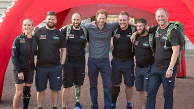 """""""I can't accept this,"""" Prince Harry's emotional embrace with a wounded Soldier"""