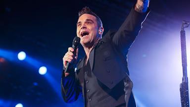 Robbie Williams slams Kiwi concert reviewer