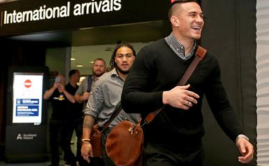 All Blacks receive warm welcome at Auckland Airport