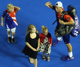Lleyton Hewitt and kids farewell