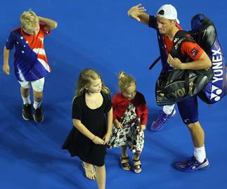 Lleyton Hewitt and kids farewell