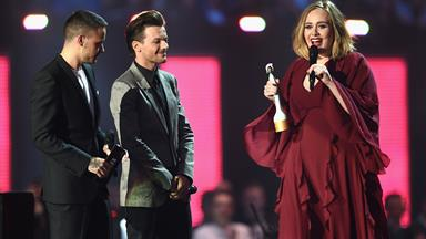 Adele stands up for Kesha at the BRIT Awards