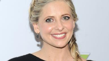Sarah Michelle Gellar shares the first photo from the set of Cruel Intentions
