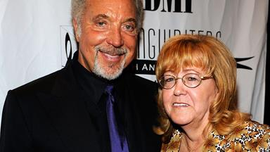 Sir Tom Jones' wife of 59 years has passed away