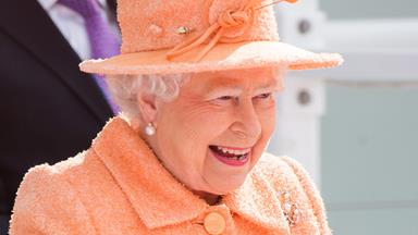The Queen's reaction to people recognising her is hilarious