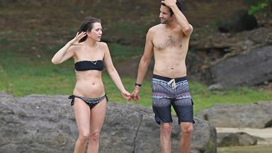 Kristen Wiig gets cosy with Avi Rothman
