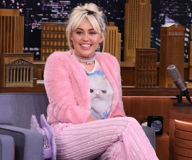 Miley Cyrus shows off love for Liam with a Hemsworth T-shrit