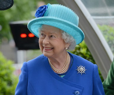 Tech-savvy Queen Elizabeth personally tweets 90th birthday thanks