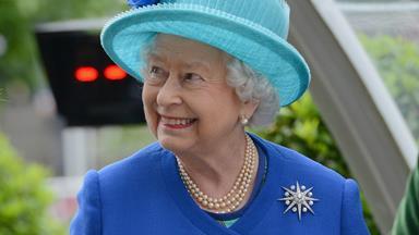 Tech-savvy Queen Elizabeth personally tweets 90th birthday thanks