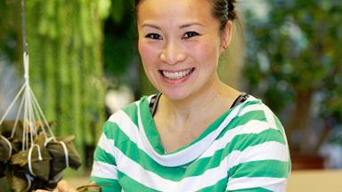 Poh Ling Yeoh chats about dumplings, babies and kung fu fighting pandas