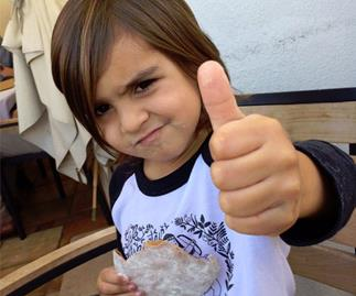 """Mason and Reign Disick recreate """"Charlie Bit My Finger"""" video"""