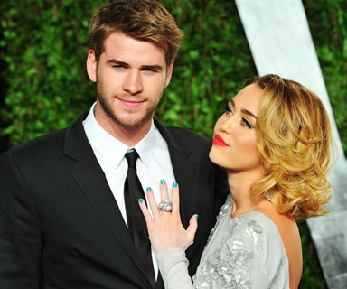 Miley Cyrus and Liam Hemsworth do their own 'carpool karaoke'