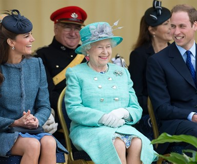 Queen Elizabeth drives Kate and Carole Middleton to a picnic in Balmoral