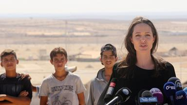 Angelina Jolie delivers a powerful speech while visiting a Syrian refugee camp