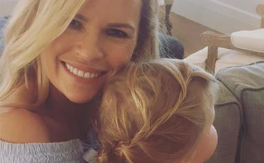 Sonia Kruger takes her daughter Maggie to the beach!