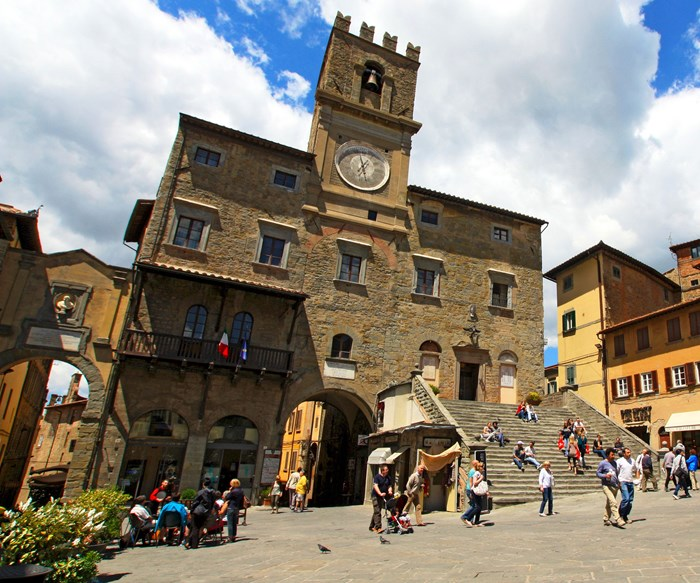5 hilltop Tuscan towns