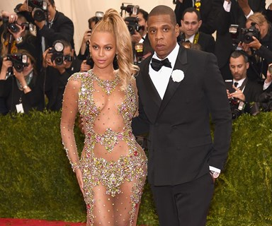BREAKING: Beyonce confirms she is pregnant with twins