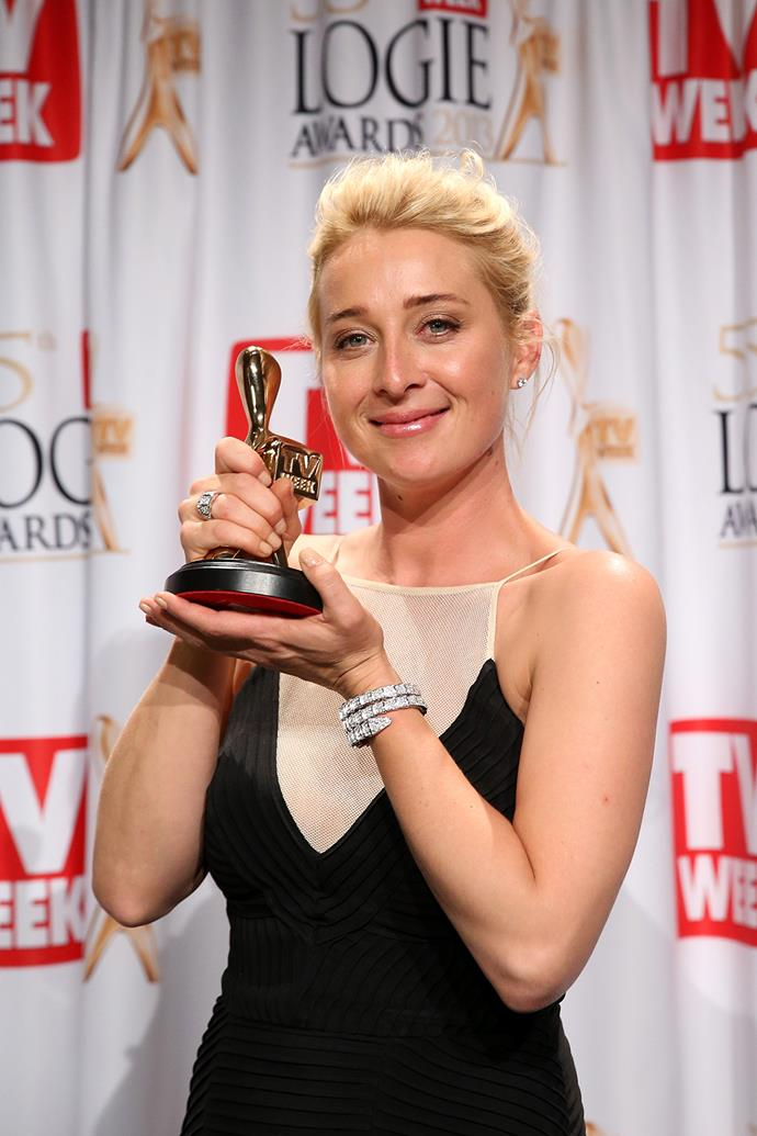 Asher Keddie, who is famous for playing Dr Nina Proudman in **Offspring**, has six Logies, but only one Gold.