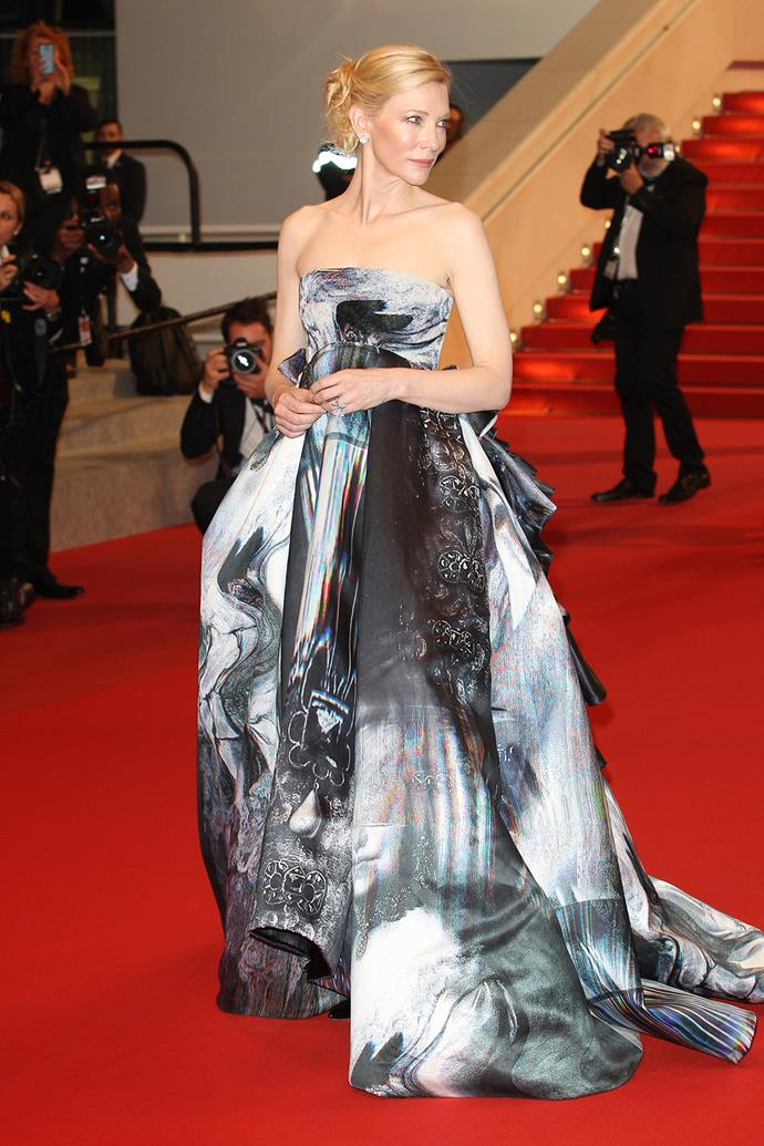 Looking like an ethereal holographic bubble, Cate Blanchett's statuesque frame carried this Giles ballgown perfectly.