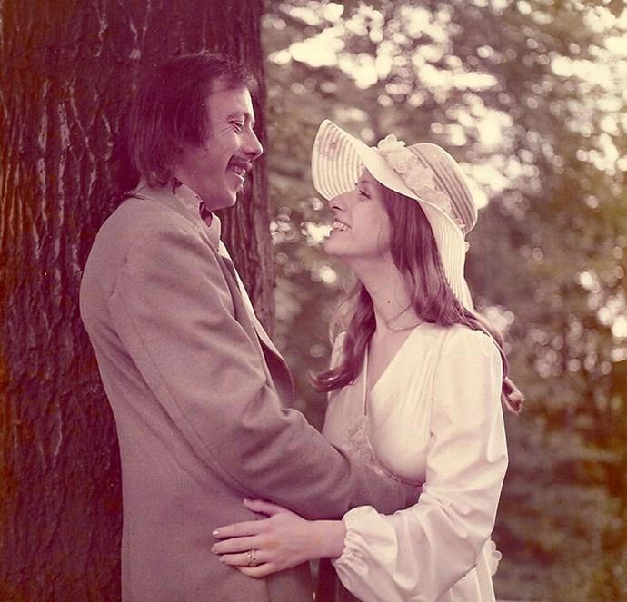Carolyn and Dexter Johnson  recreated their wedding photos from 1975.