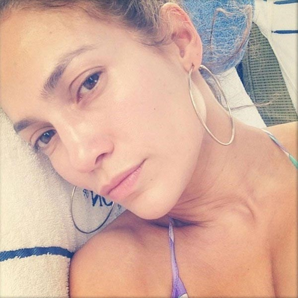 Jennifer Lopez is still Jenny From The Block - hoop earrings, no-make-up and all!