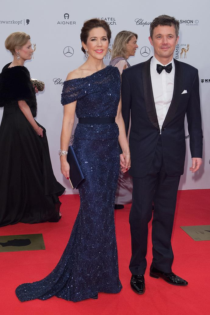 In 2014, Mary glittered in this amazing navy blue gown at the Bambi Awards.