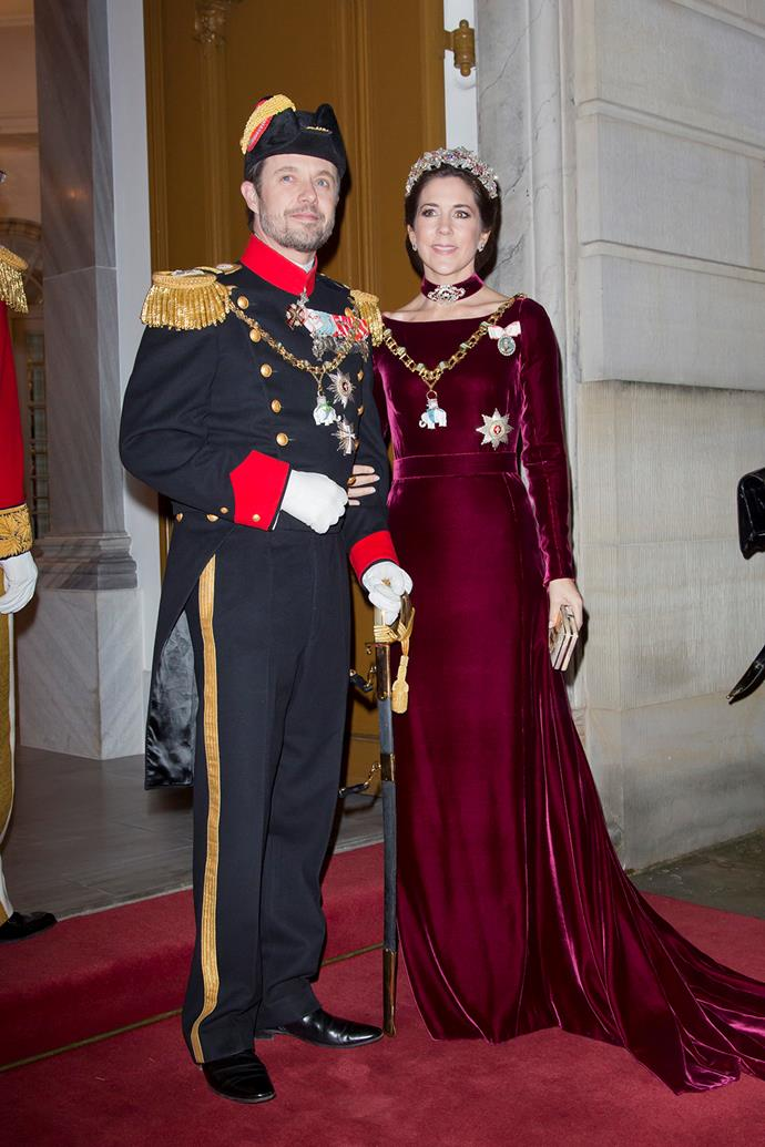 As evidenced here! Mary wore the exquisite Danish Ruby Parure, along with a diamond choker, brooches and necklace.