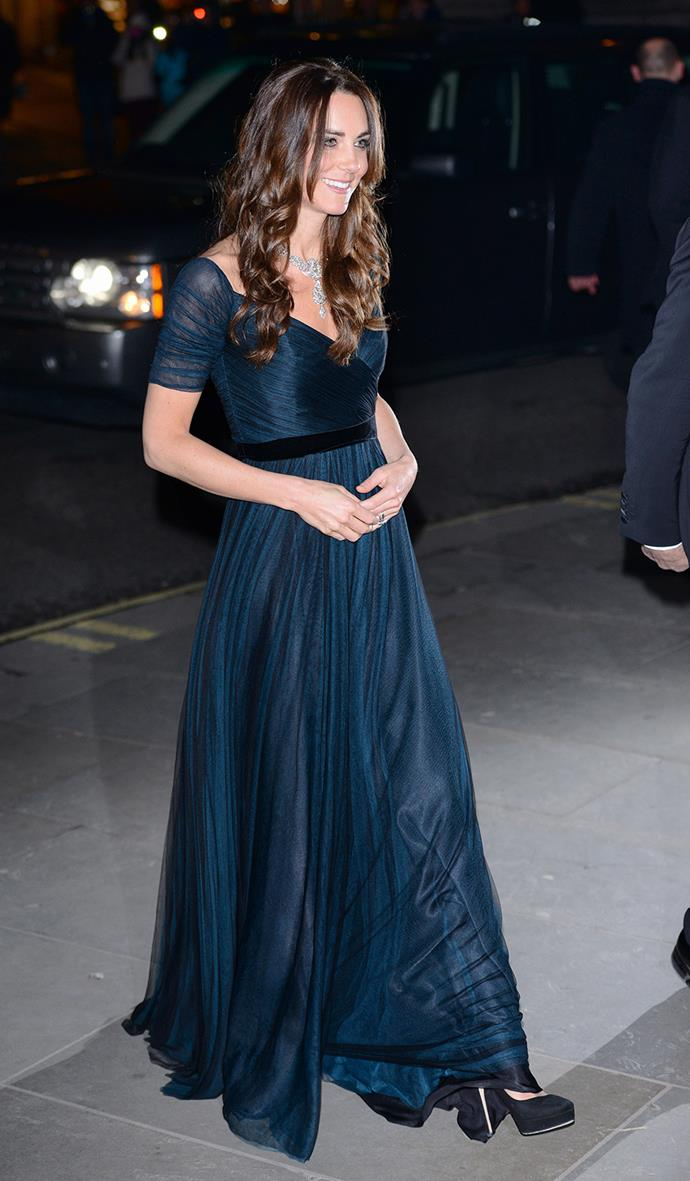 But although she's not used to tiaras, she can sparkle with the best of them! Kate wore this amazing necklace whilst at the Potrait Gala in 2013.