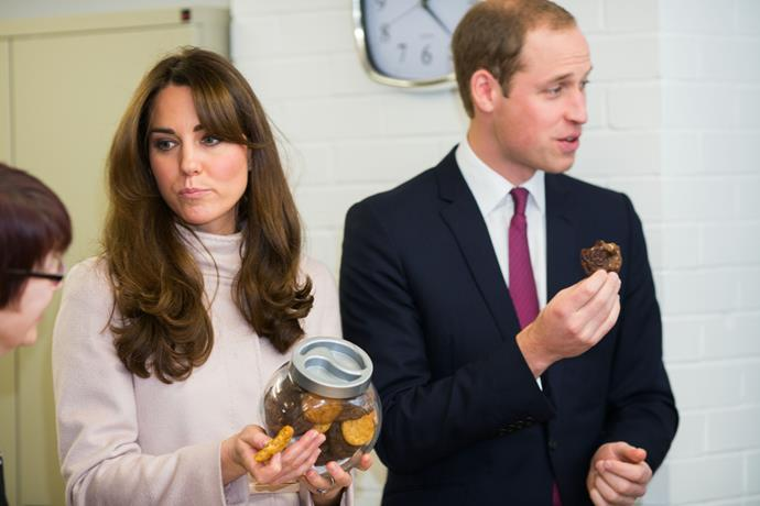 Because Prince William is such a fan, a second cake made entirely of McVitie's chocolate biscuits was served at the reception of his wedding to Kate Middleton.