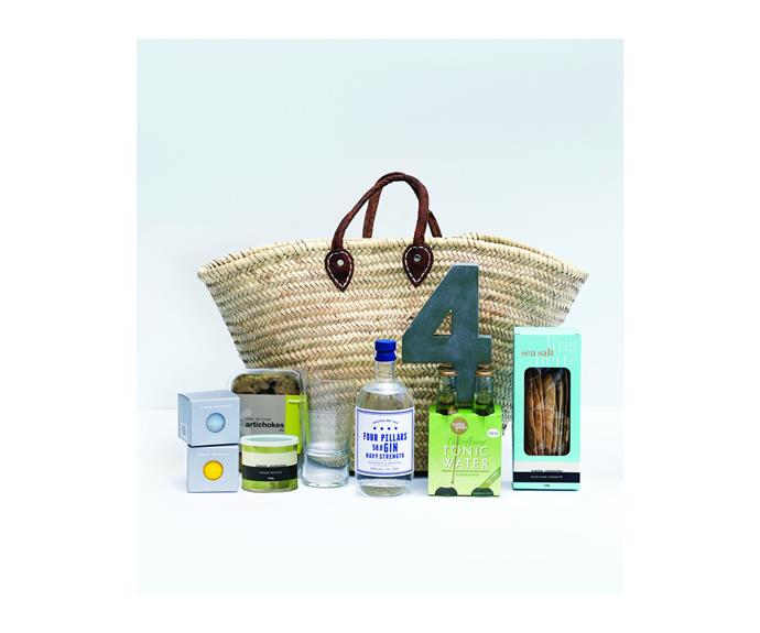 """**[Simon Johnson Summer Drinks Hamper](http://www.simonjohnson.com/shop-by-type/hamper-homewares-gifts/summer-drinks-hamper.html