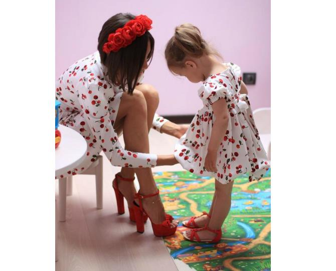 Matchy-matchy cherry dresses. Who would have thought that cherries could be sultry and sweet at the same time?!