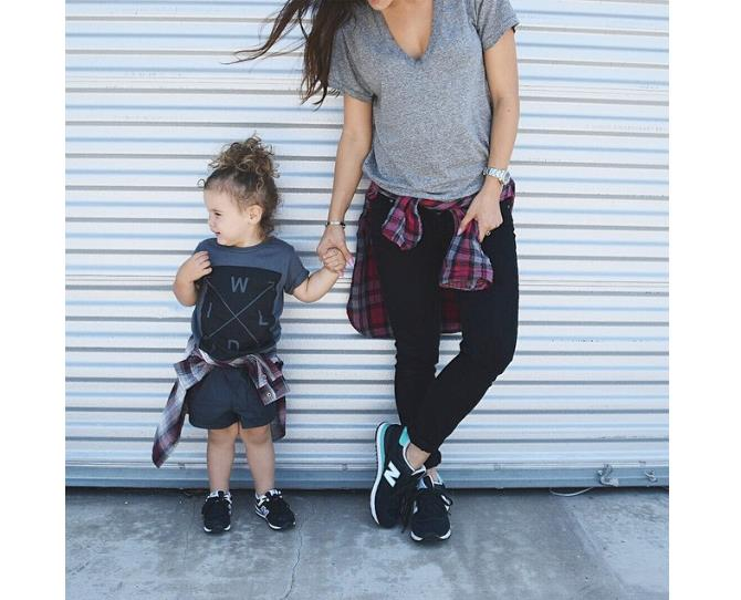 """Sneakers, top-knot, and matching flannos. This mum and bub make the tomboy look chic! Photo via [@andeelayne](http://instagram.com/andeelayne