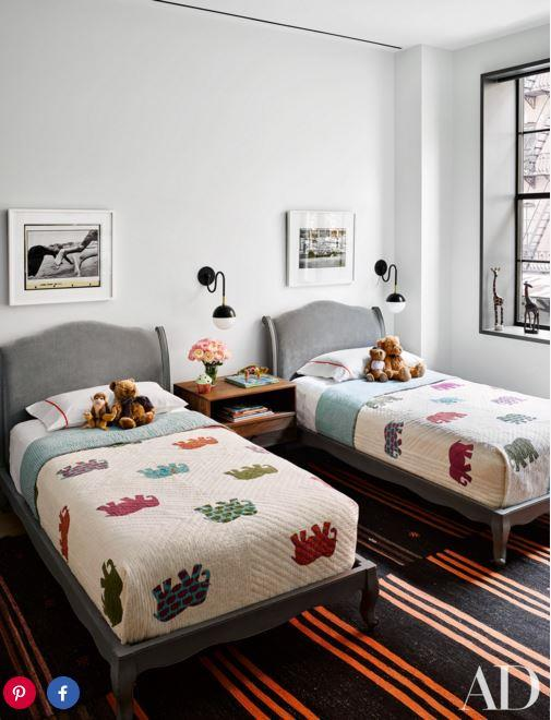 "PHOTO: DOUGLAS FRIEDMAN FOR [Architectural Digest]( http://www.architecturaldigest.com/story/naomi-watts-liev-shreiber-nyc-apartment|target=""_blank"")"