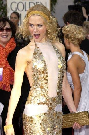 Flapper-style at the Golden Globes in 2004.
