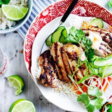 "[Lemon grass and chicken banh mi bowl](http://www.foodtolove.com.au/recipes/lemon-grass-and-chicken-banh-mi-bowl-18542 target=""_blank"")"